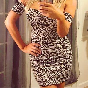 🔥H&M Zebra Animal Print Body Con Dress